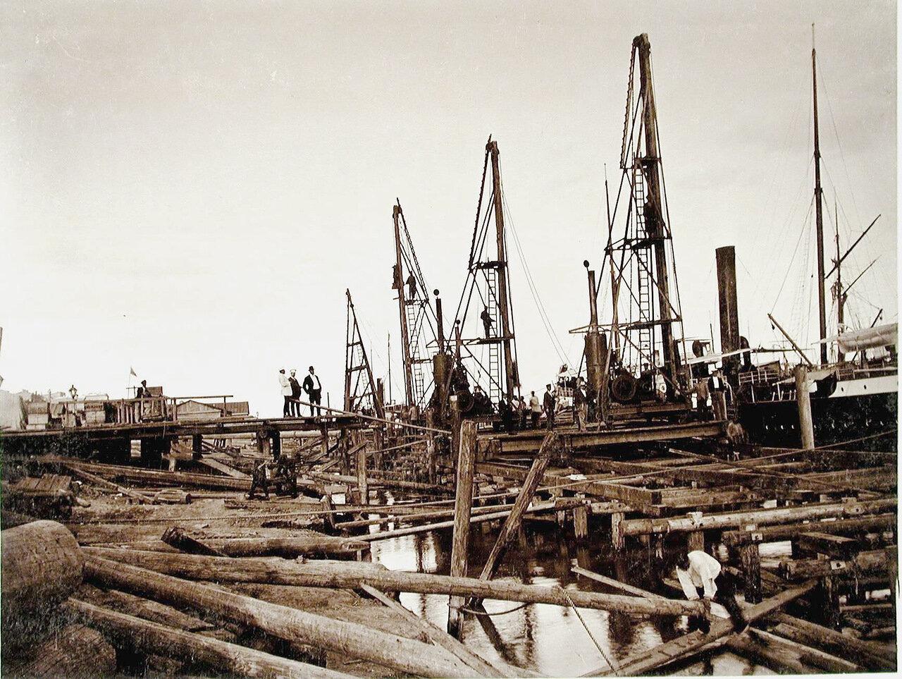13. Общий вид строительных работ на набережной