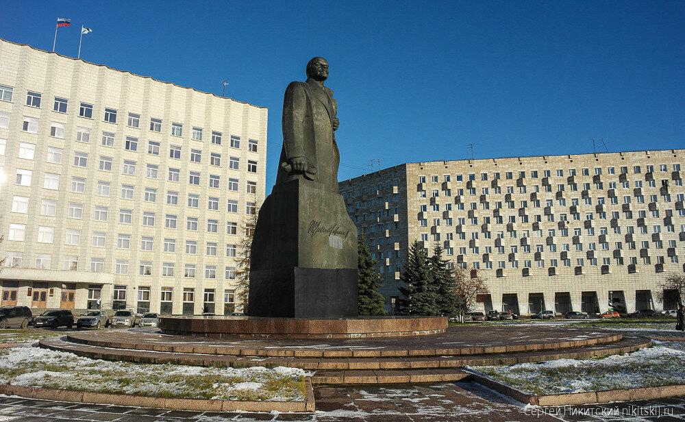 Где будем закапывать труп Ленина?