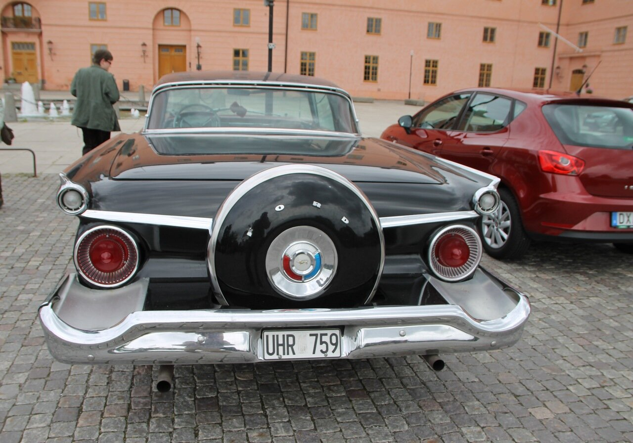 Уппсала. Uppsala. Автоклассика, Oldtimer.  Ford Galaxy 1959 года.
