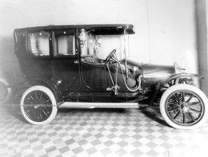 Модель легкового автомобиля.