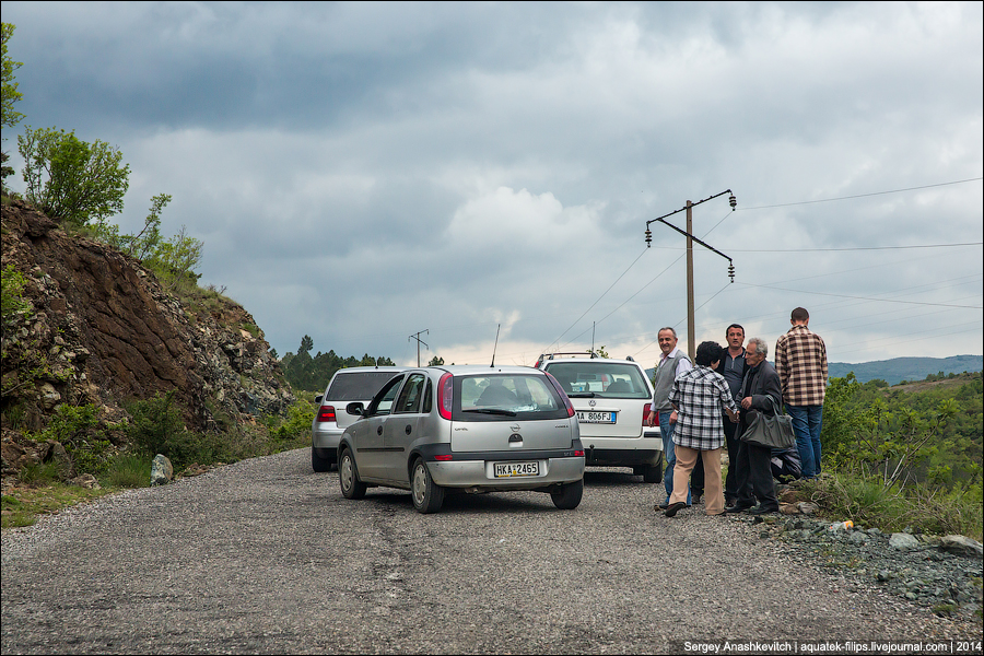 Грязь и бедность пыльных дорог Албании