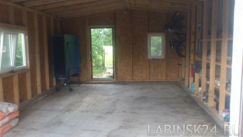 Чем залить бетонный пол, чтобы он не пылил.
