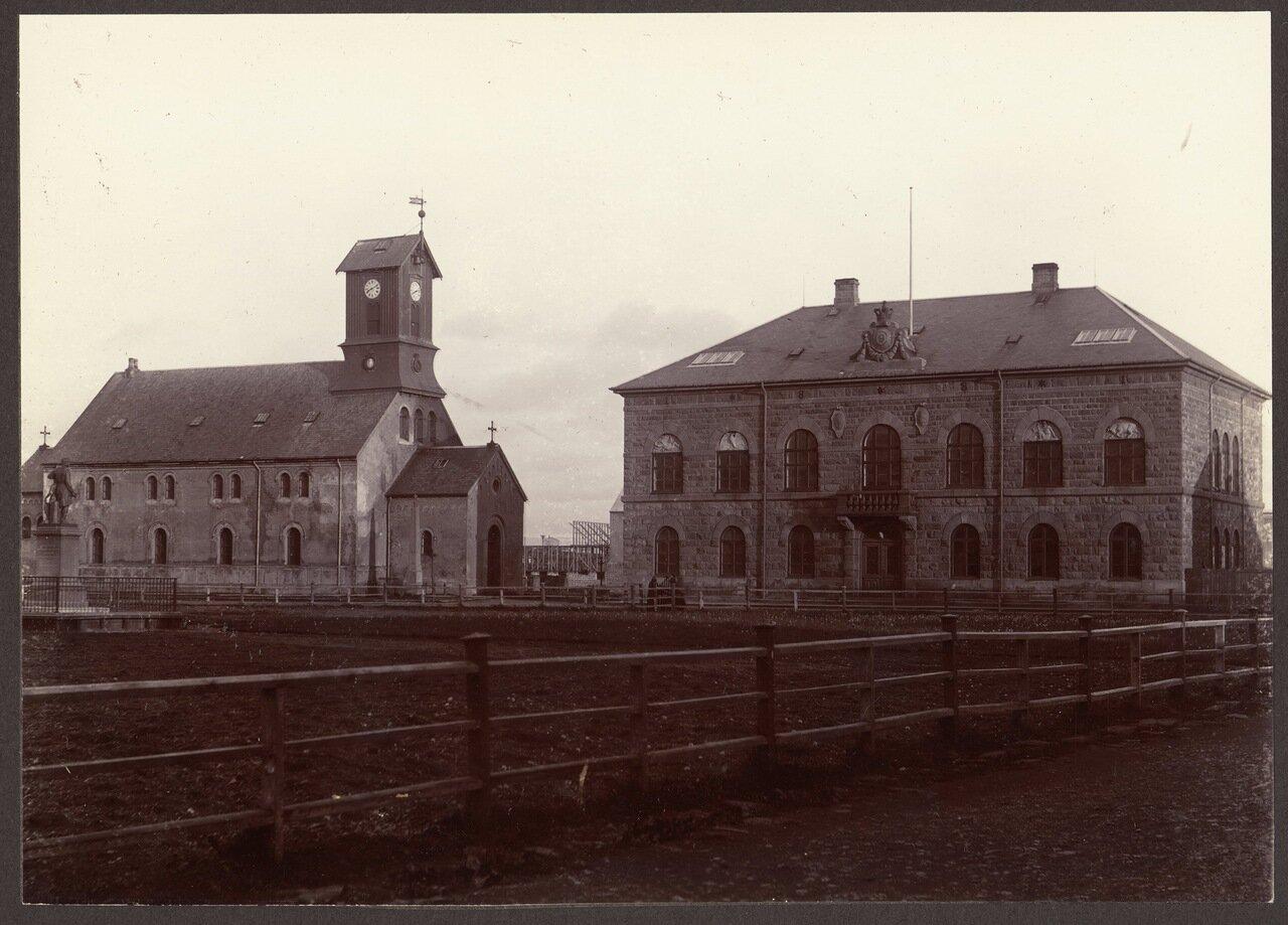 Кафедральный собор и здание Парламента