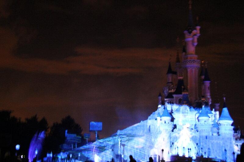 Лазерное шоу в Диснейленде