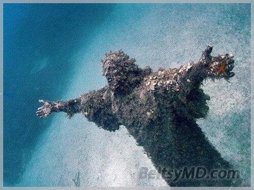 «Христос из Бездны» — статуя находится 17 метров под водой