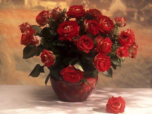 Букет роз в вазе открытка поздравление картинка