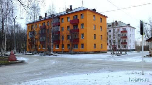 Фотография Инты №6214  Мира 4 (с обновленным фасадом) и 4а 10.11.2013_14:07