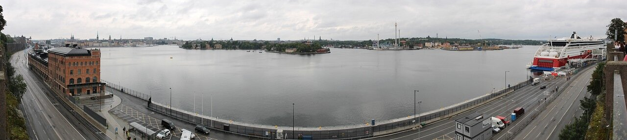 Stockholm, Sodermalm observation desk. Стокгольм. Обзорная площадка Сёдермальм. panorama