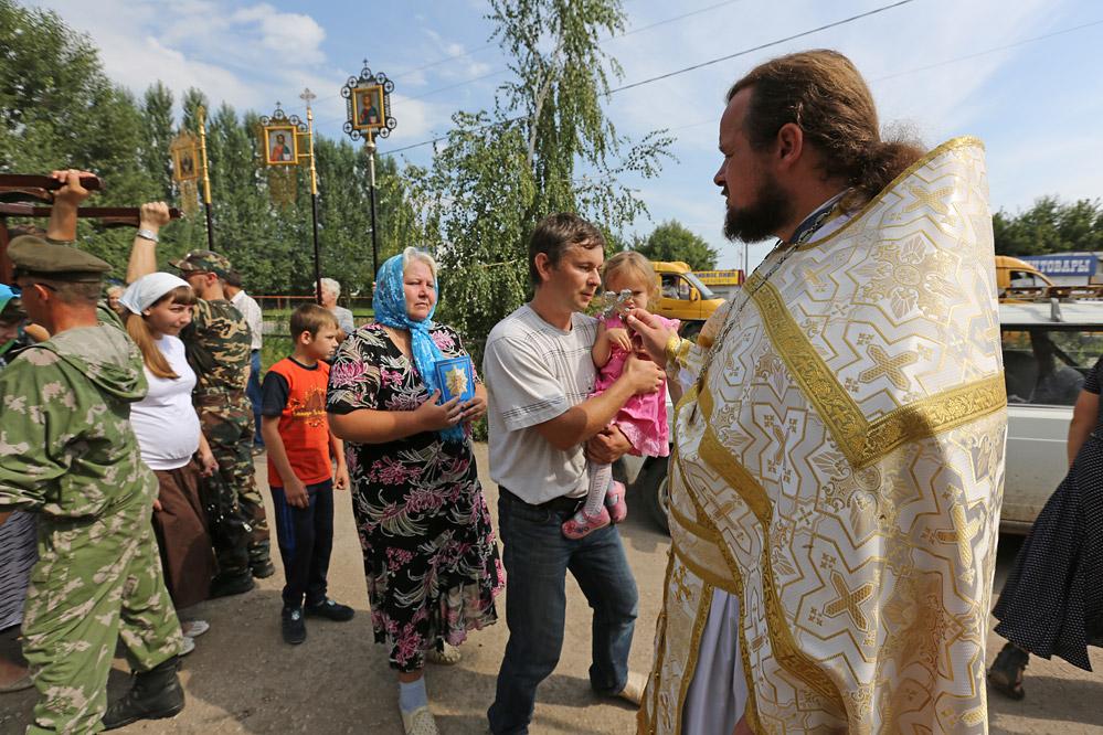 крестный ход с Иконой Пресвятой Богородицы
