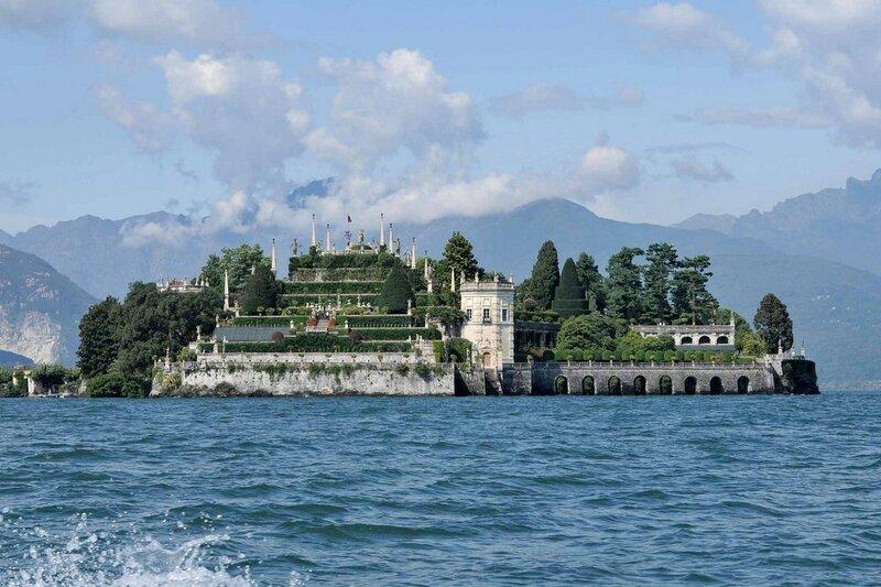 Дворец Борромео на острове Изола Белла.jpg