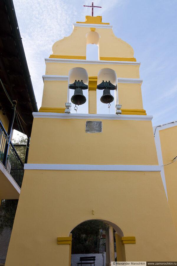 Звоница, колокольня в Беницесе