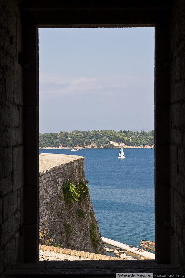 Вид из окна Новой Крепости в Керкире, Корфу, Греция
