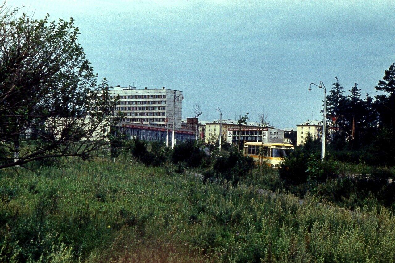 16.Братск.  Гостиница и посёлок ГЭС
