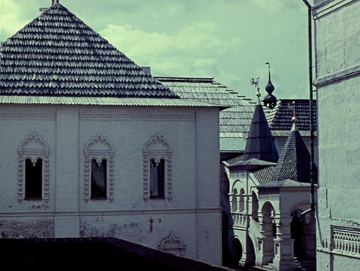 3.  Красная  палата