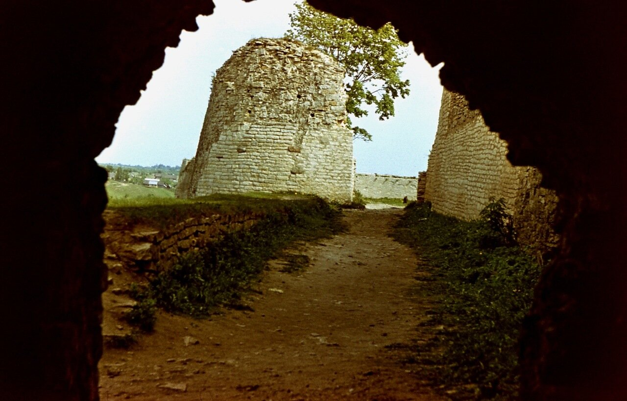 3. Остатки крепостных стен.