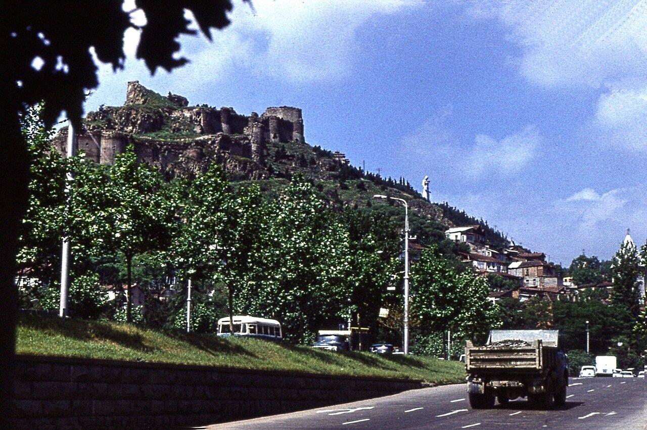 6.  Развалины старинной крепости