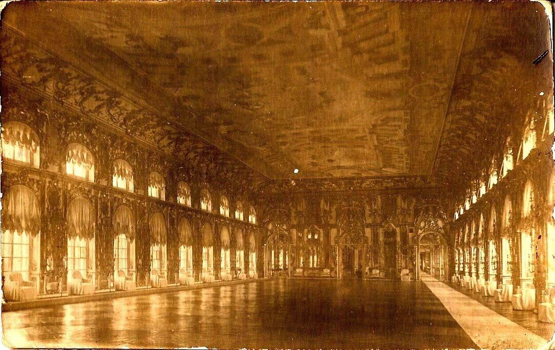 Танцевальный зал Екатерининского дворца