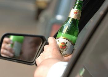 Более 30 водителей поймали этой ночью пьяными за рулем