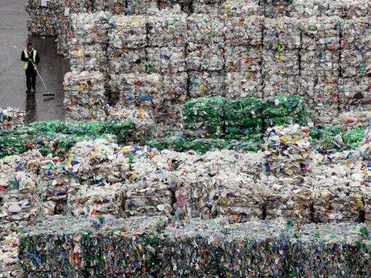 Япония построит остров из мусора для армии США