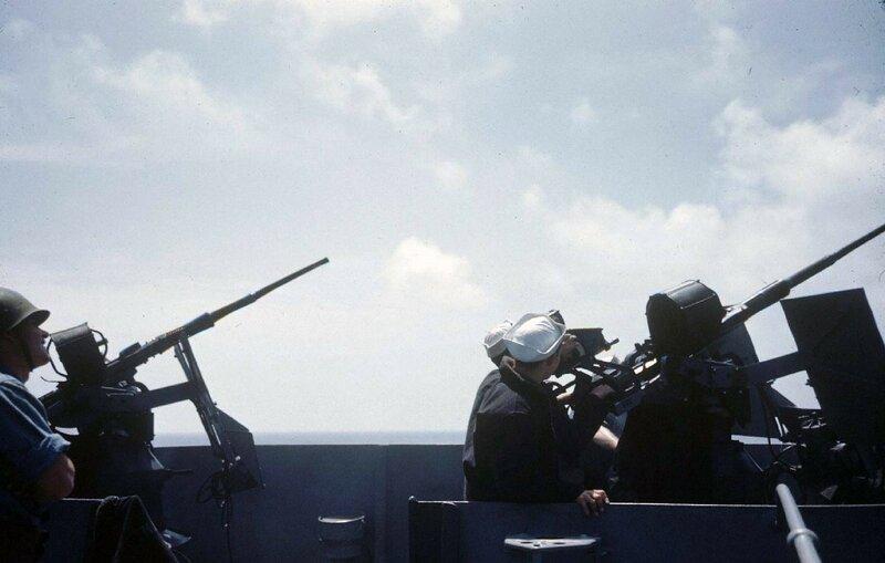 Troupes a bord d'un landing craft infantry (LCI) en 1944 - Carl Mydans - LIFE