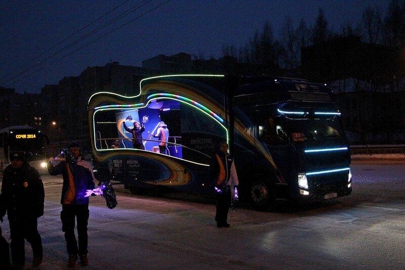 Эстафета олимпийского огня в Кирове: ингосстраховский промоавтомобиль
