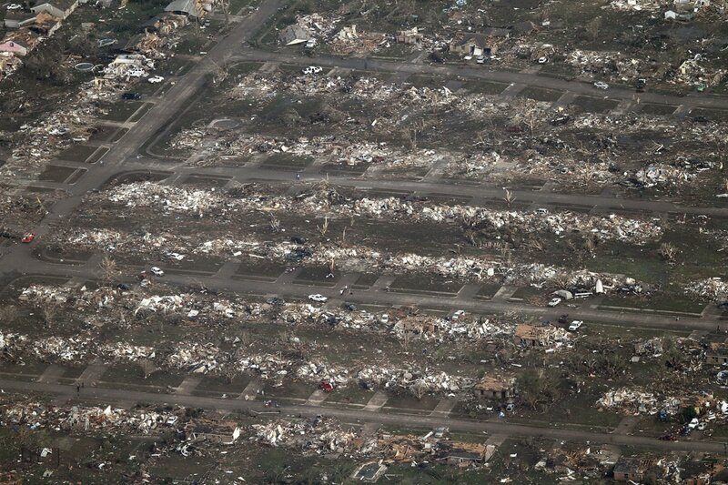 Торнадо уничтожил город в США