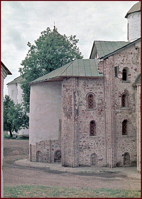 Церковь Параскевы-Пятницы на Ярославовом дворище, алтарь.
