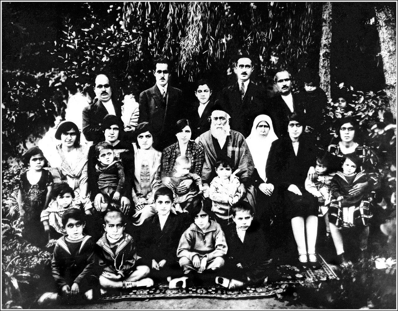 Семья Ликанян, Тегеран, 1928