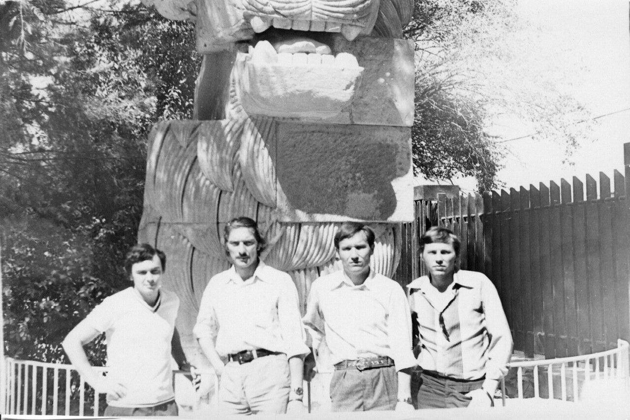 1980.Сирия. Рыжов, Свистунов,начальник связи, Букатин.