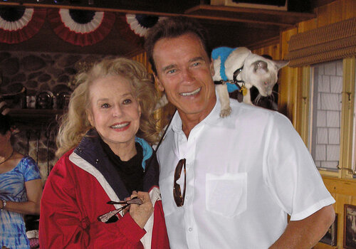 Fourth-of-July-2008-Governor-Arnold-Schwarzenegger-Betty-and-Joe-Weider-and-friends-08.jpg