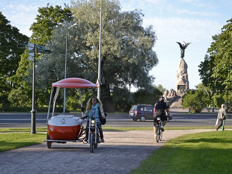 Таллин памятник Русалке
