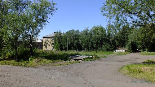 Фото города Инта №5129  Юго-восточный угол Геологической 4 16.07.2013_12:09