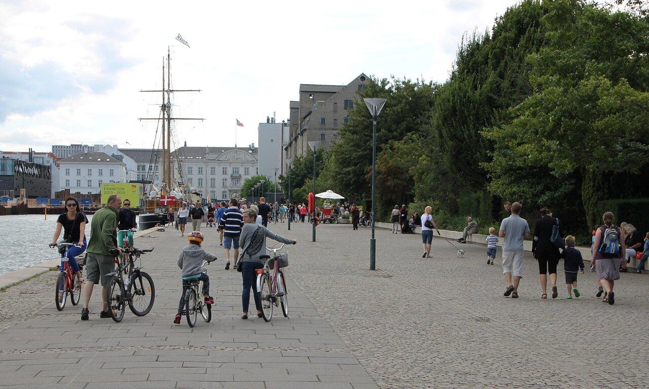 Копенгаген. Набережная Ларсенс Пладс (Larsens Plads)