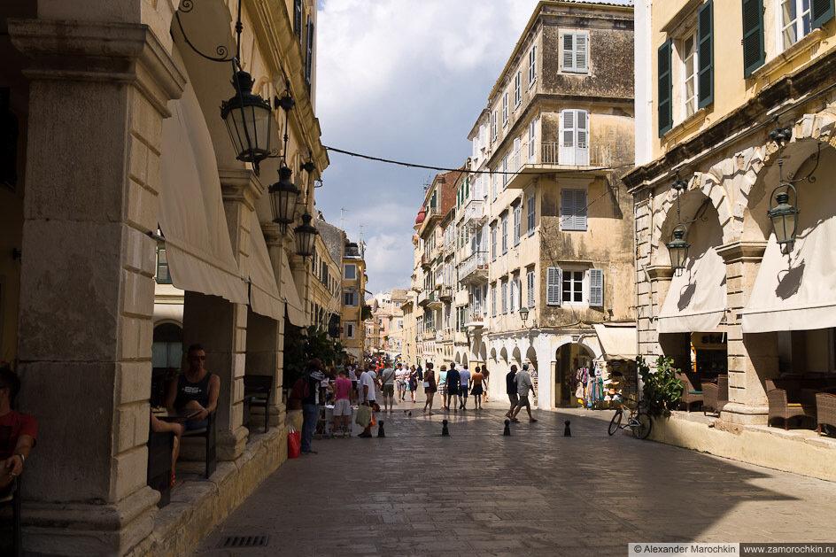Улица в центре Керкиры, о. Корфу, Греция