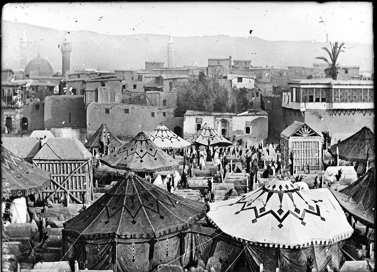 Лагерь паломников собирающихся в Мекку. 1920