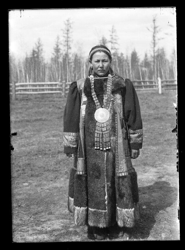 Якутская девушка. 1902