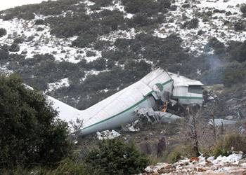 """Обнаружен """"черный ящик"""" с разбившегося в Алжире самолета"""