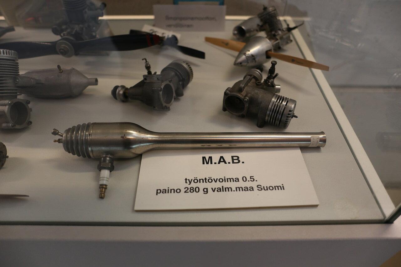 Helsinki-Vantaa Air Museum. Aircraft modeling. Micro-motors