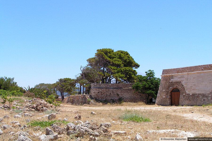 В крепости Фортецца, Ретимно