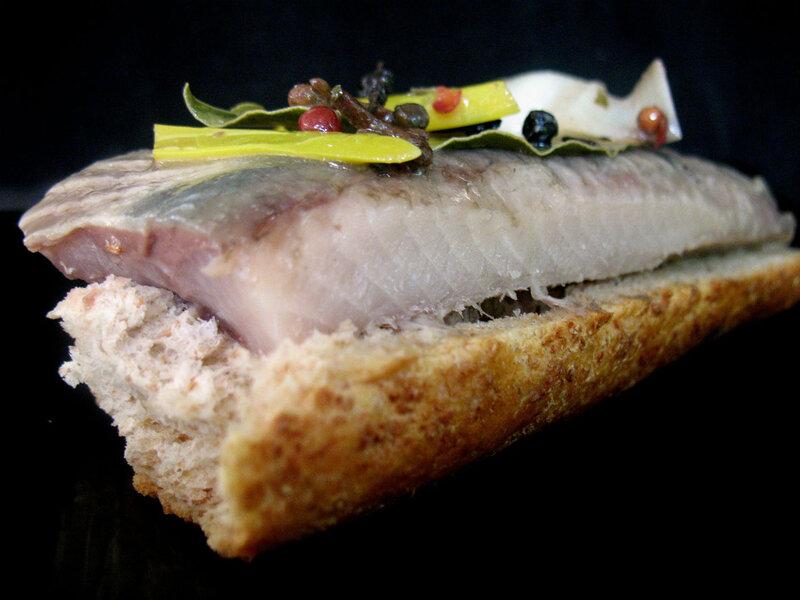 сельд на хлеб
