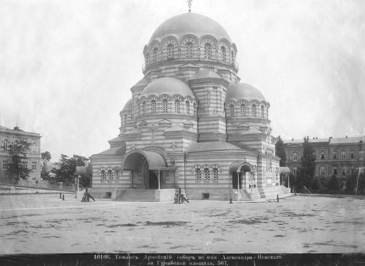 Армейский собор во имя Александра Невского на Гунибской площади