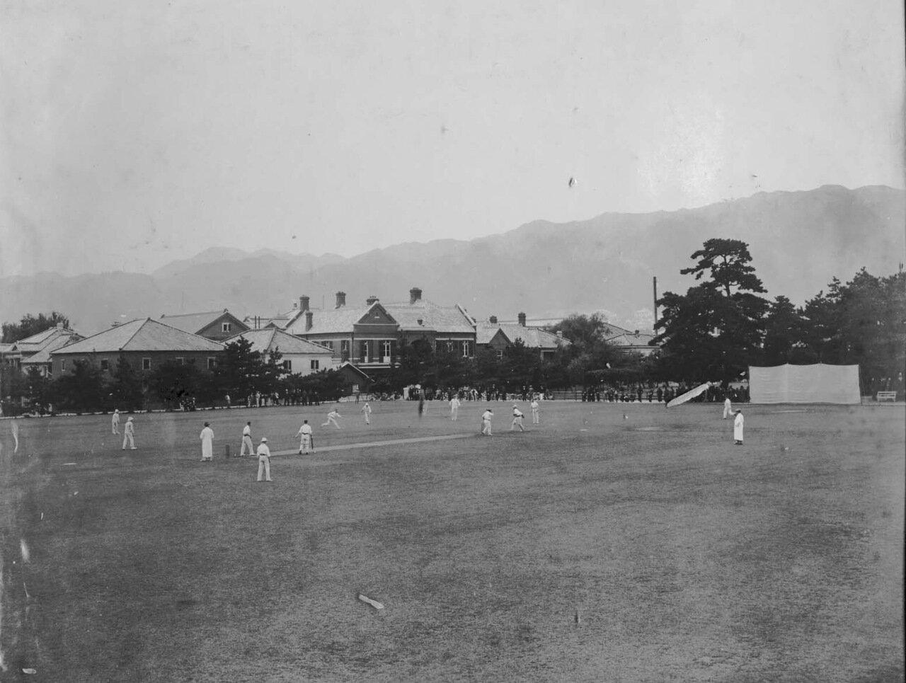 1880. Джон Кэри Холл играет в крикет в Японии. 1880