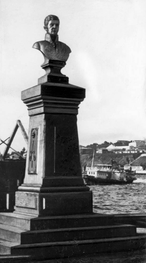 Памятник А.Ф. Дерябину. 1900–е