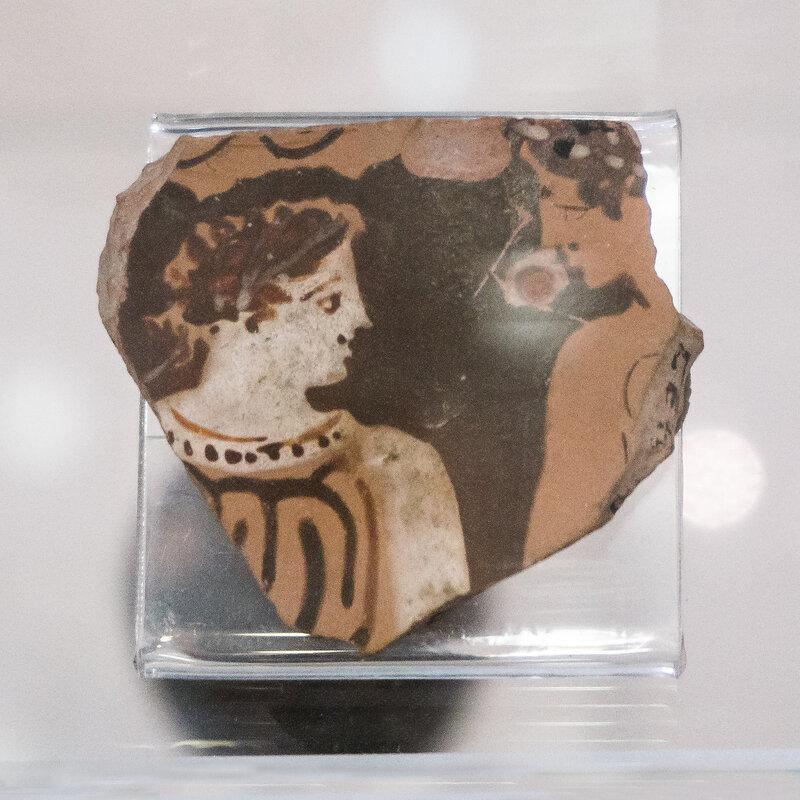 Фрагмент чернолаковой керамики