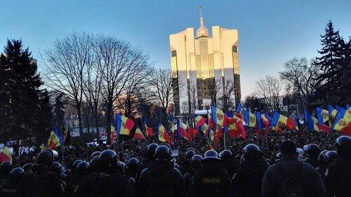 Во время митинга полиция в Молдове применяла силу