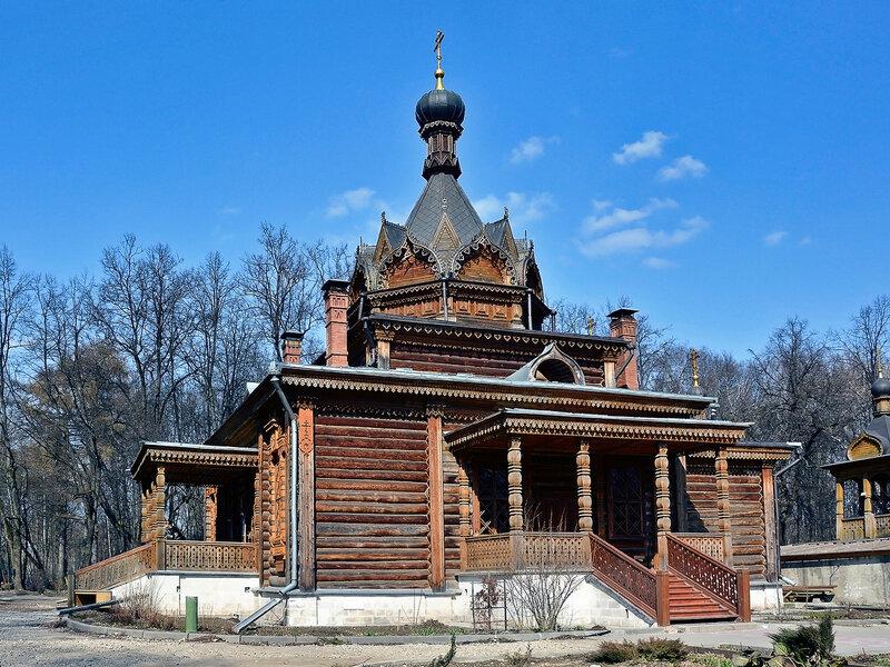Храм святителя Тихона Задонского в Сокольниках.jpg