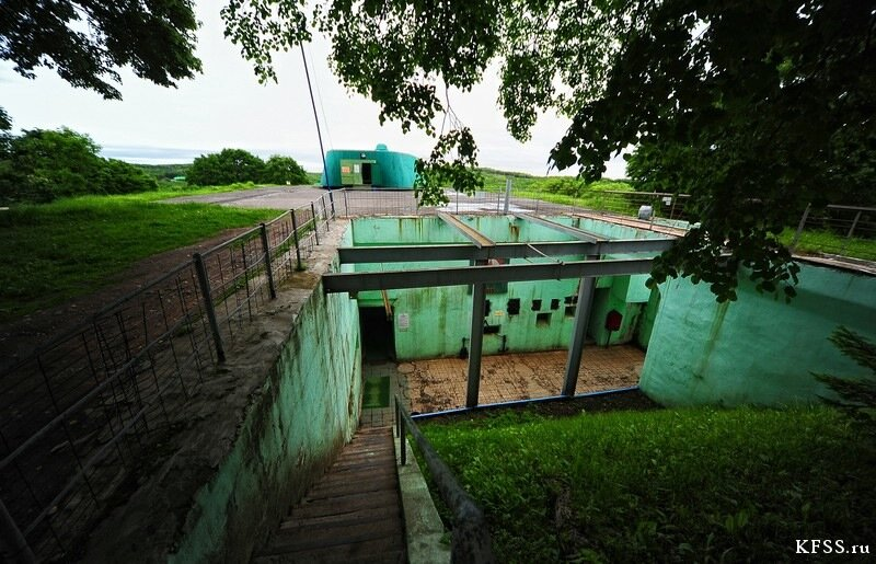 Остров русский, Ворошиловская батарея, вход в подбашенное отделение