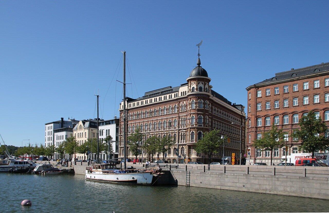 Helsinki. Pohjoisranta Promenade
