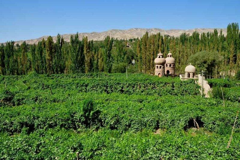 0 20e662 bf97758 XL Турфанская долина виноградников в китайском оазисе посреди пустыни