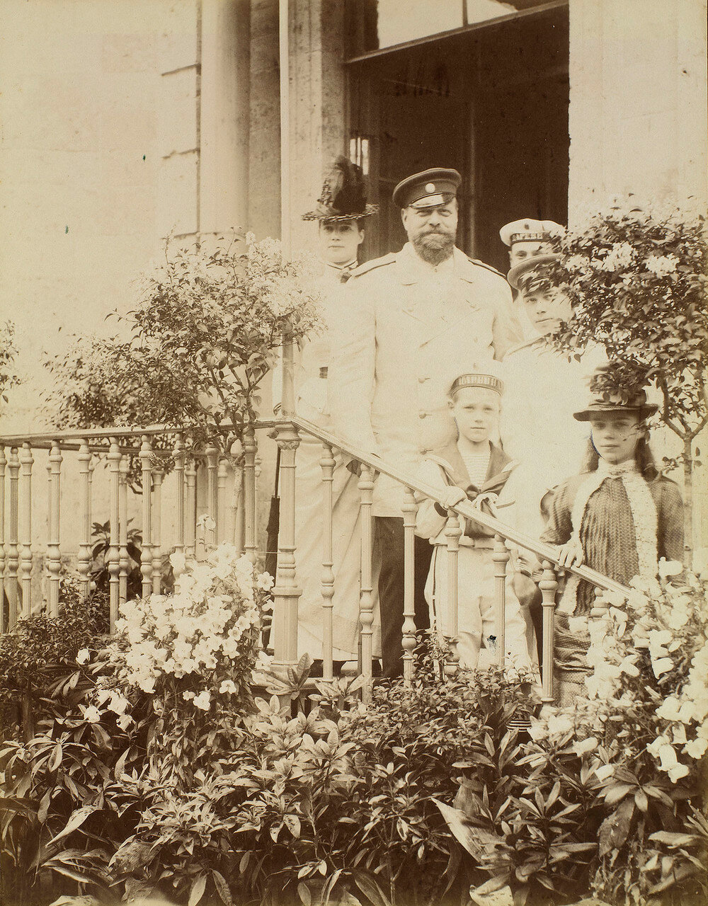 1886. Александр III и его семья в Гатчинском дворце